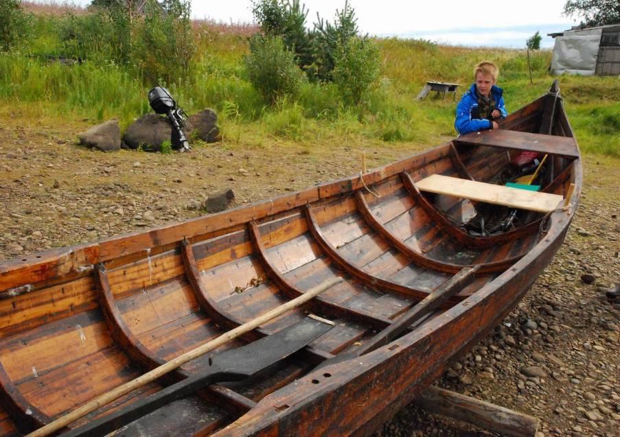 как и чем смолят деревянную лодку